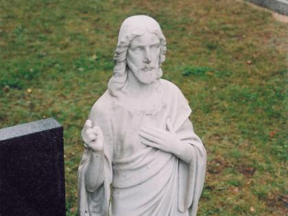 Odstranění řas a mechu, Hřbitov